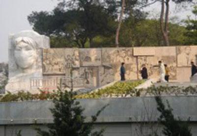 抗击非典主题雕塑